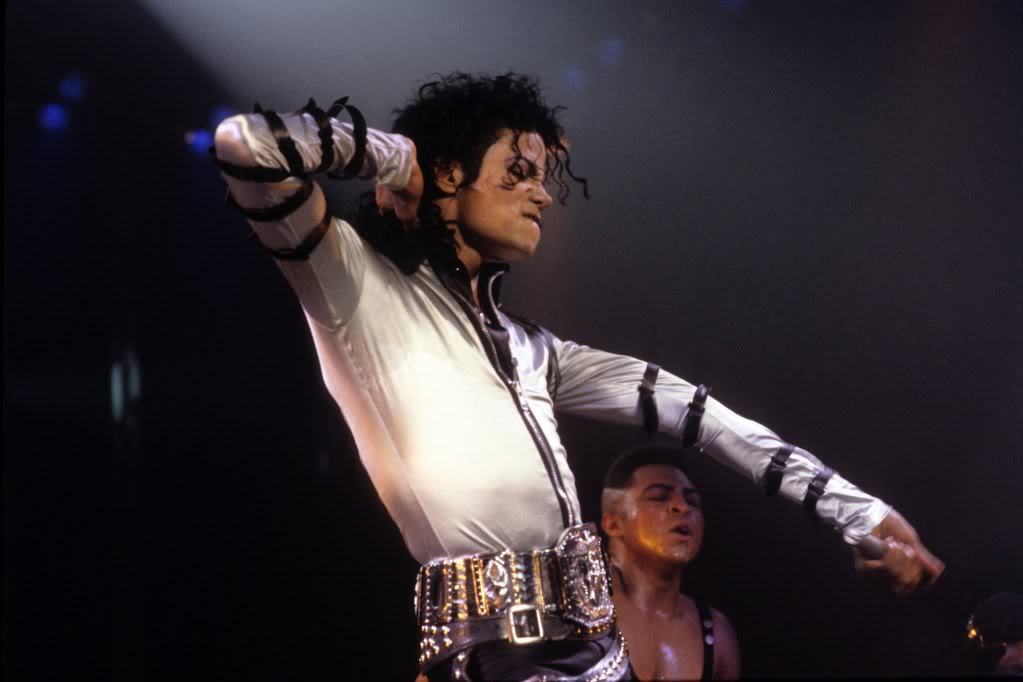 Bad-Tour-michael-jackson-12478054-2